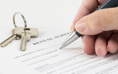 picture_of_signing_rental_property_contract_